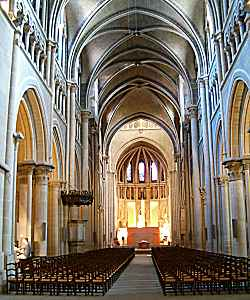 Lausanne: cathedral Notre-Dame, nave
